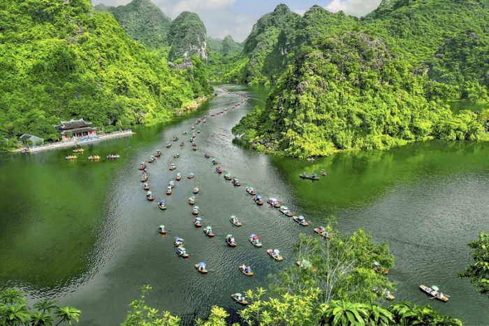 Experiences in Northern Vietnam: Tour Hanoi – Halong – Ninh Binh 5 Days/ 4 Nights