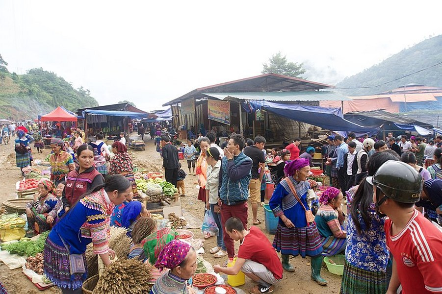 Can Cau Market, Ha Giang